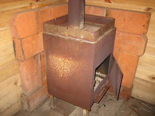 Каким кирпичом можно обложить железную печь в бане 1