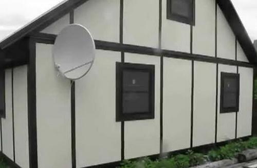 """И СМЛ, и ЦСП на фасаде деревянного дома придется """"дорабатывать"""" после обшивки."""