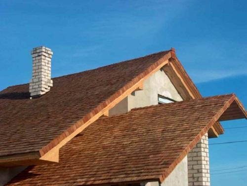 Чем недорого покрыть крышу на даче 1