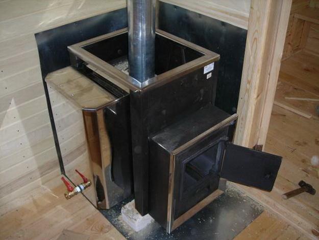 Правильная установка печи в бане на деревянный пол 2