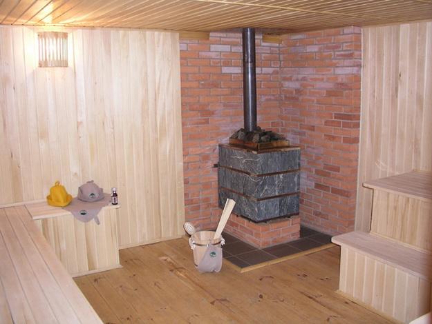Правильная установка печи в бане на деревянный пол 3
